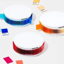 PANTONE Plastic Chip Color Set